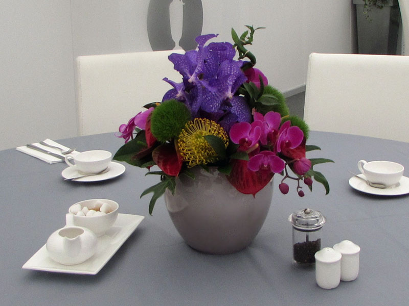 Exotic Vibrant Table Arrangement